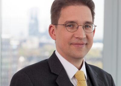 Dr. Rolf Claessen - (C) Markus Bollen, 2015 (2560 x 2195 px)